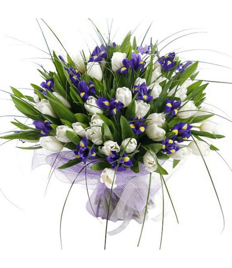 Букет из белых тюльпанов с ирисами
