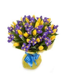 Букет из жёлтых тюльпанов с ирисами