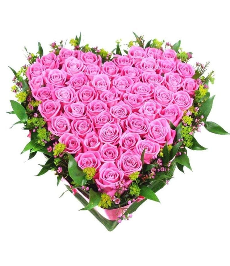 Сердце из 55 розовых роз