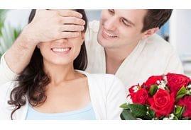 Cколько роз подарить девушке? Символика букета. Простые советы по этикету.